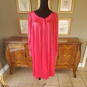 11/19 VANITY FAIR Robe